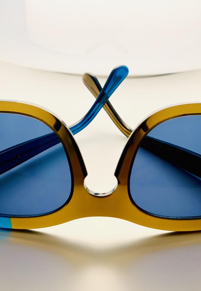 dettaglio occhiale da sole